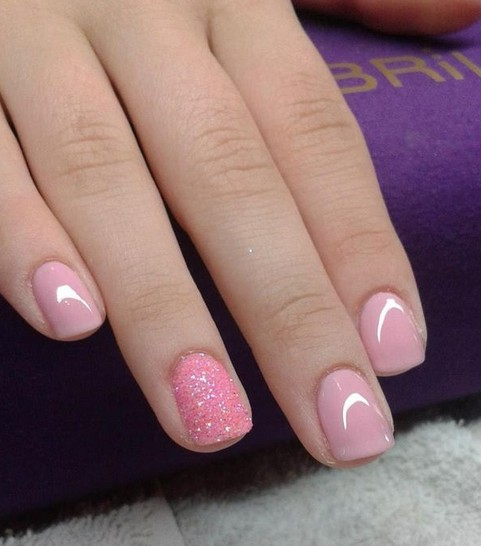 simple-pale-pink-nails