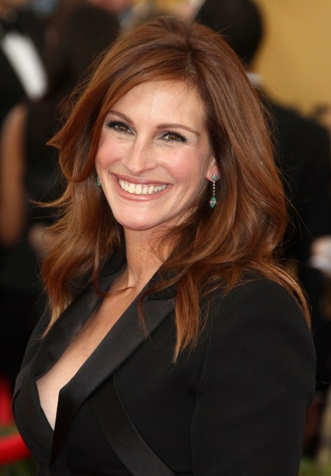 beauty-2015-01-julia-roberts-sag-awards-mascara-main