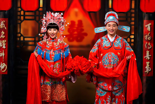 traditional-wedding-dress-1-578f72db11902__605