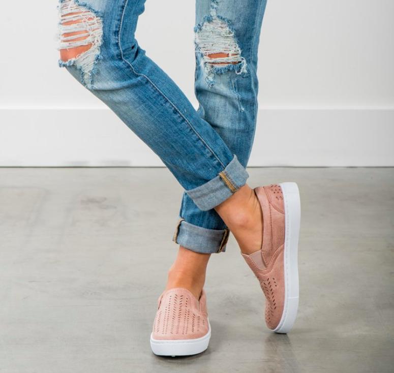 FASHOMBlog_SummerShoes_SlipOnSneakers