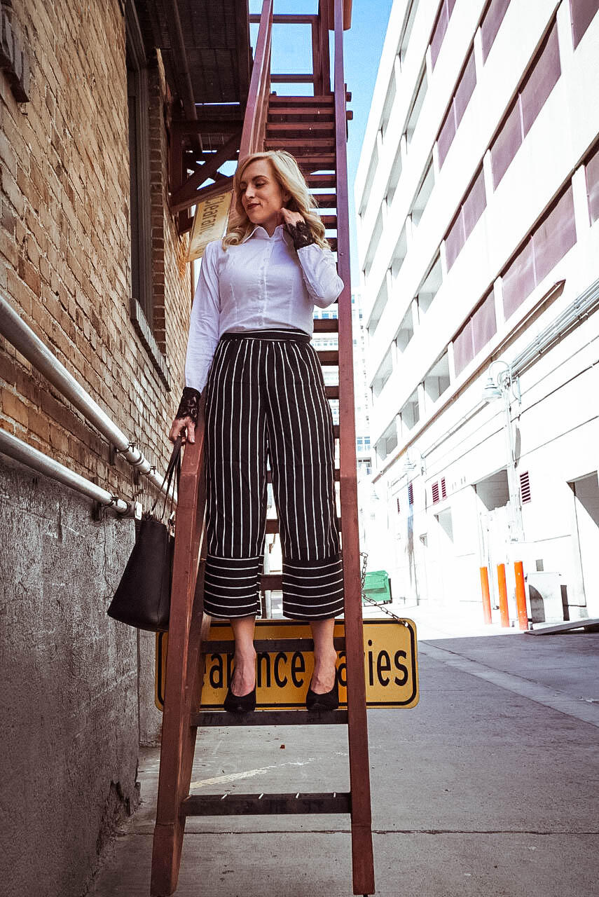 Striped-palazzo-pants-for-work